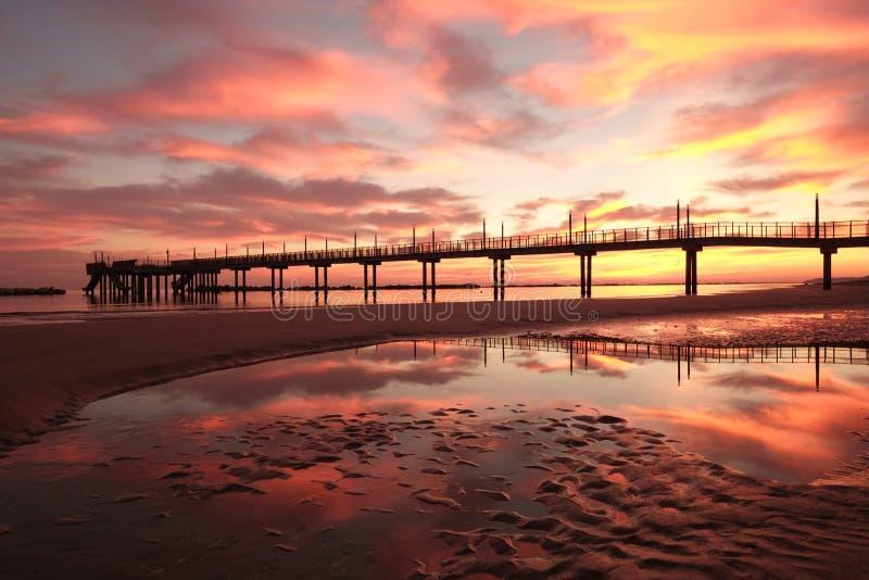 Download 滨海弗兰卡维拉码头 库存照片. 图片 包括有 kong, 布琼布拉, 海岸, 连接, 财务, 抽象, 连接数 - 62537834