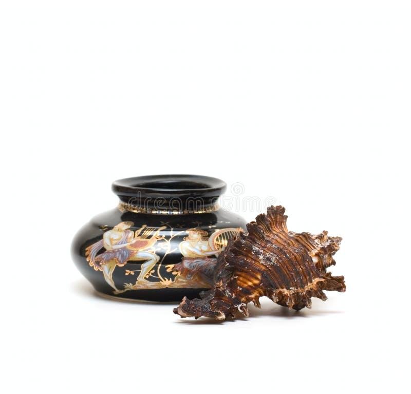 海扇壳海洋花瓶葡萄酒 免版税库存图片