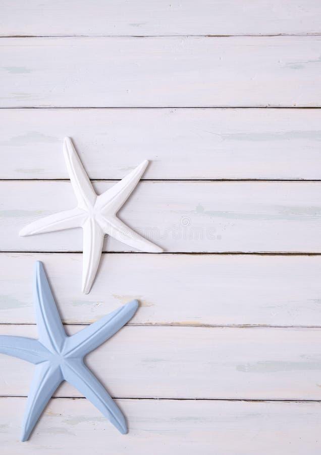 Download 海星木背景 库存照片. 图片 包括有 火箭筒, 星形, 海星, 珊瑚, 贝壳, 土气, 别致, 蓝色, 海洋 - 72362428