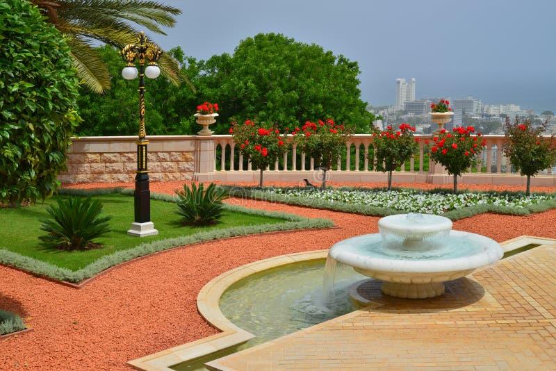 海法喷泉的Bahai庭院 免版税库存图片