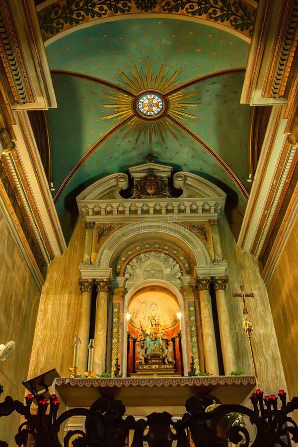 海法,以色列-大约2011年11月:圣玛丽法坛在史特拉Maris教会 库存照片