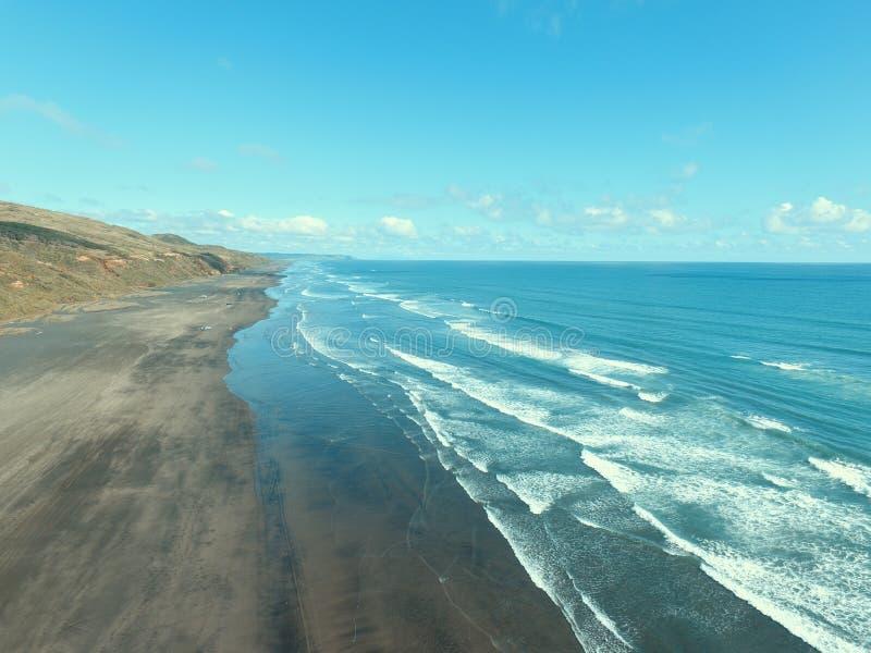 海波浪和Beach3 库存图片