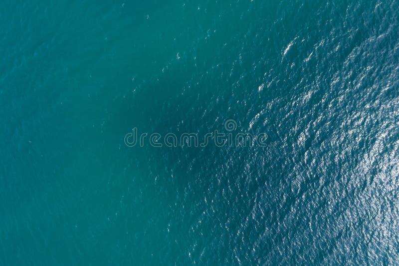 海波浪表面 免版税库存照片