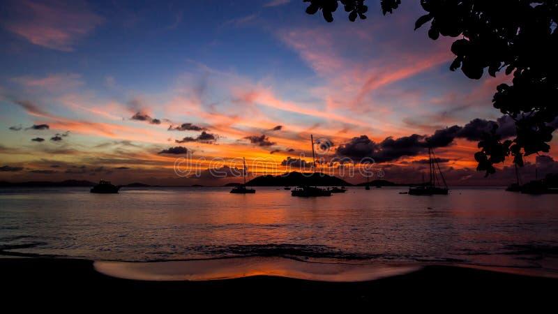 `海洋梦想`维尔京群岛日落风景 免版税库存图片