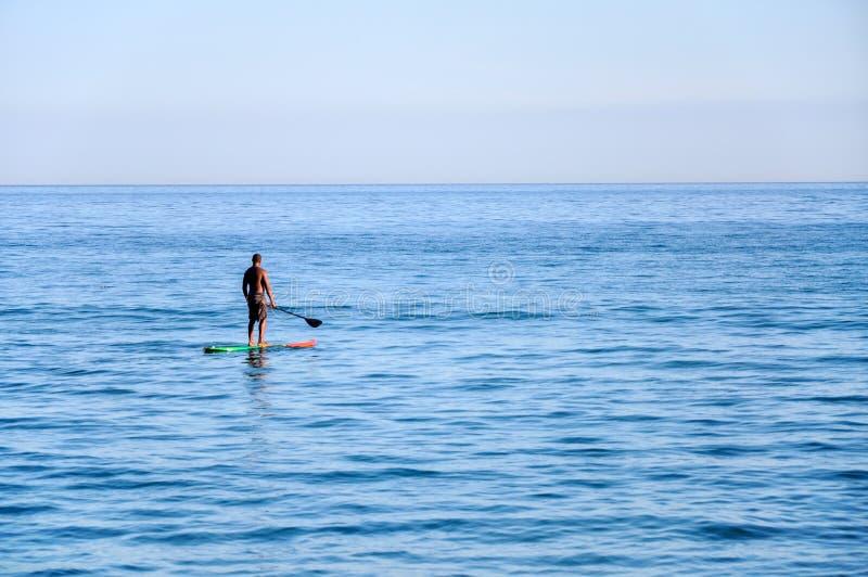 海浪的人, Bertioga (巴西) 免版税库存照片