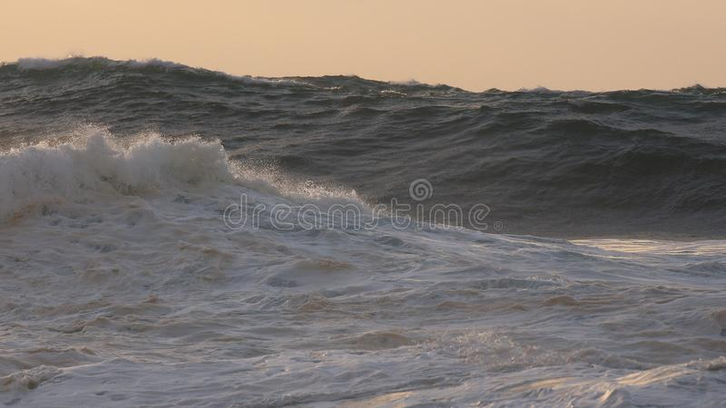 海浪,日落 图库摄影