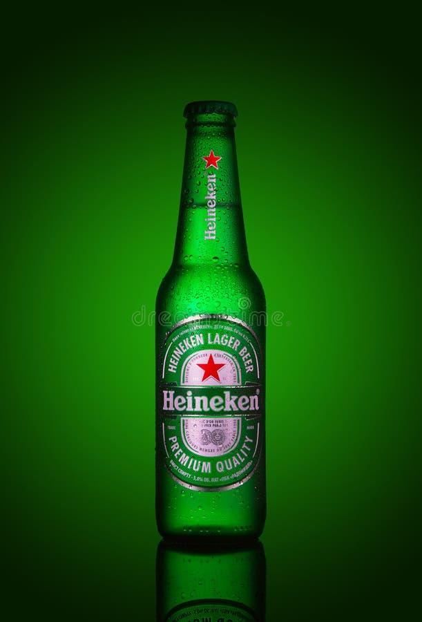 海涅肯储藏啤酒 库存图片