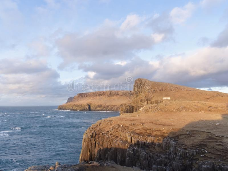 海湾和半岛接近普遍的Neist指向,著名地方 库存照片