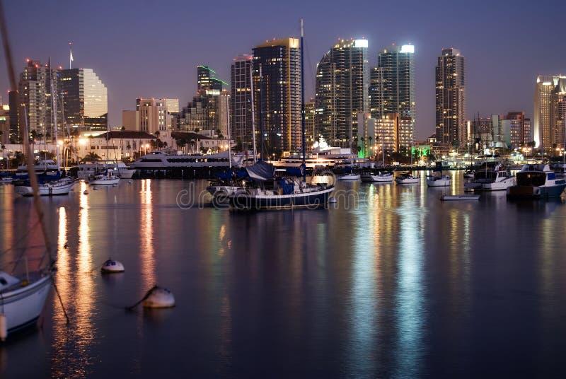 海湾地亚哥夜间圣地平线 库存图片