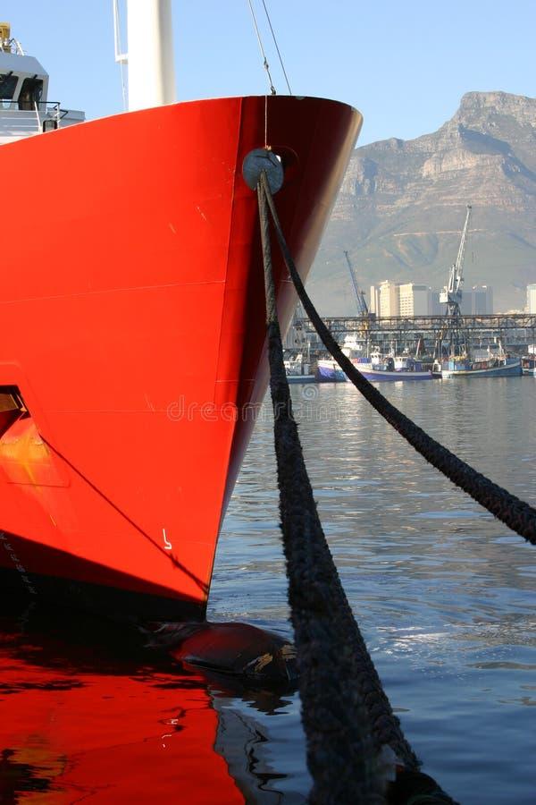 Download 海湾小船靠码头的表 库存照片. 图片 包括有 旅行, 小船, 小珠靠岸的, 绳索, 巡航, 江边, 海运, 安全 - 182682