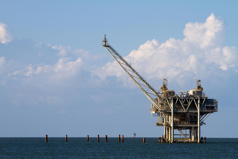 海湾抽油装置 库存图片