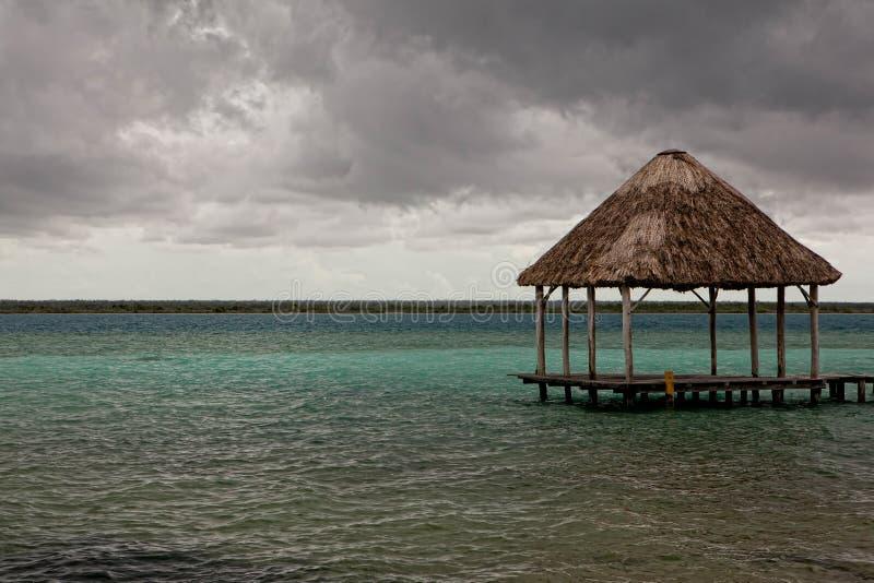 Download 海湾美好的bungalo墨西哥夏天 库存图片. 图片 包括有 其它, 豪华, 浪漫, 掌上型计算机, 手段 - 22356119