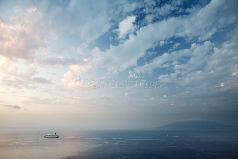 海湾那不勒斯索伦托日落 免版税库存图片