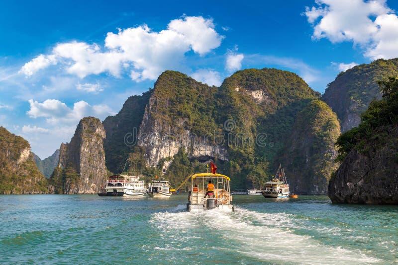 海湾halong越南 免版税图库摄影