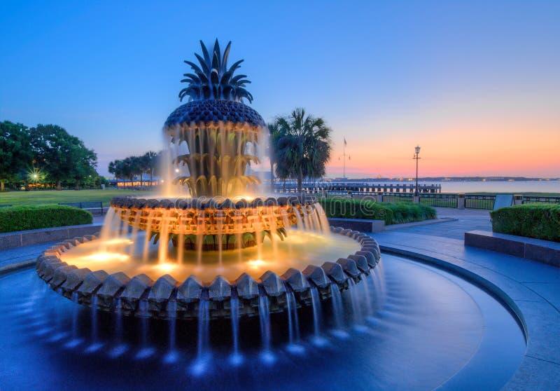 海滨公园喷泉,黎明 查尔斯顿,SC 免版税库存照片