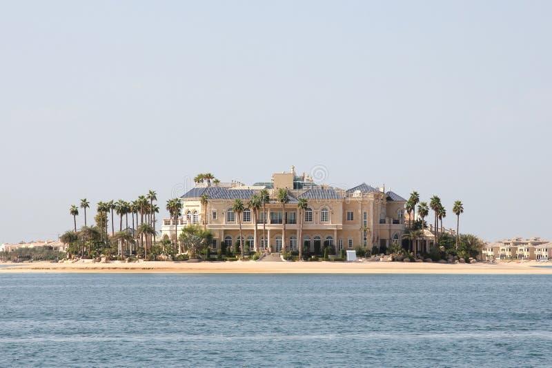 海滨的美丽的房子 免版税库存照片