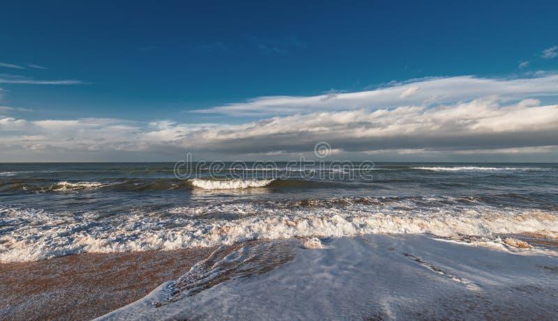 海滨,风雨如磐的海 免版税图库摄影