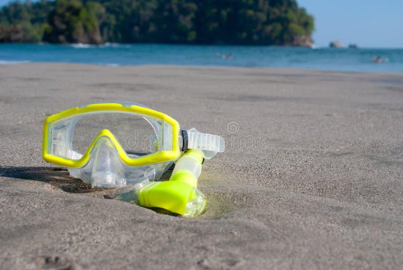 海滩下潜屏蔽黄色 免版税库存照片