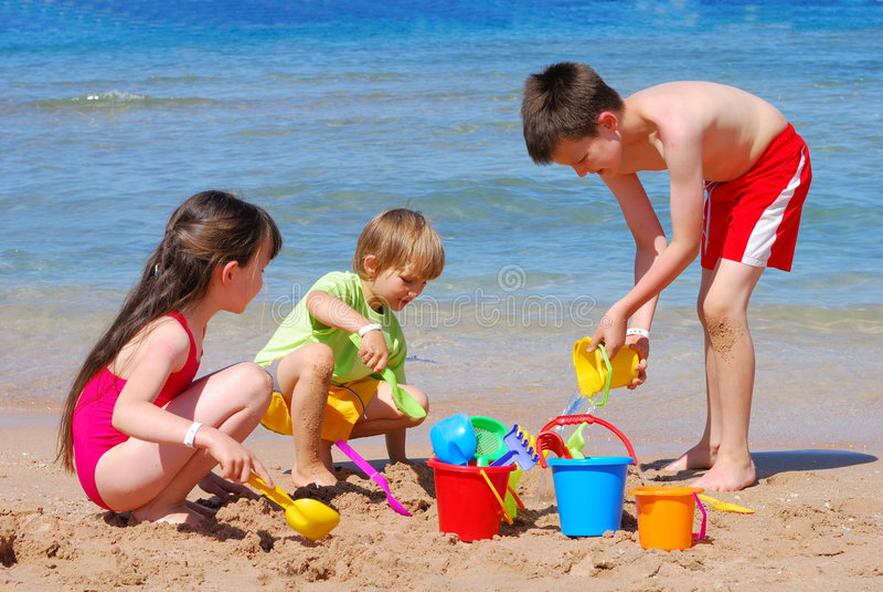 海滩儿童使用 免版税库存照片