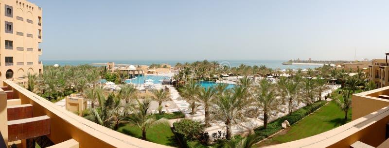 海滩全景在豪华旅馆 免版税库存图片