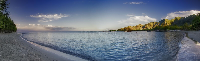 海滩全景pemuteran 免版税库存图片