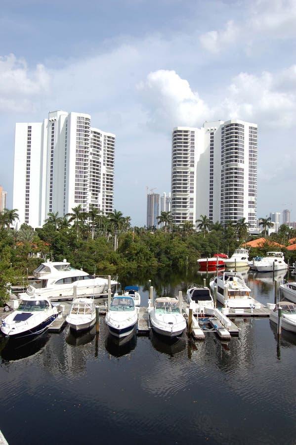 海滩公寓房海滨广场北部的迈阿密 免版税库存照片