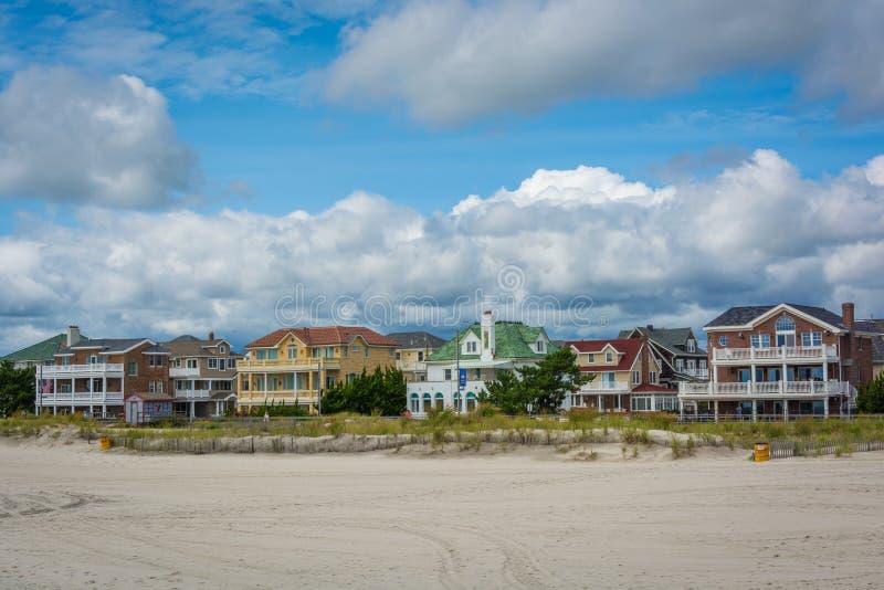 海滩前的房子在Ventnor市,新泽西 免版税库存图片