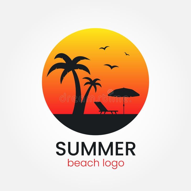 海滩商标设计 日落和棕榈树 圆的略写法 在白色背景的旅行公司商标 沙滩伞和太阳 向量例证