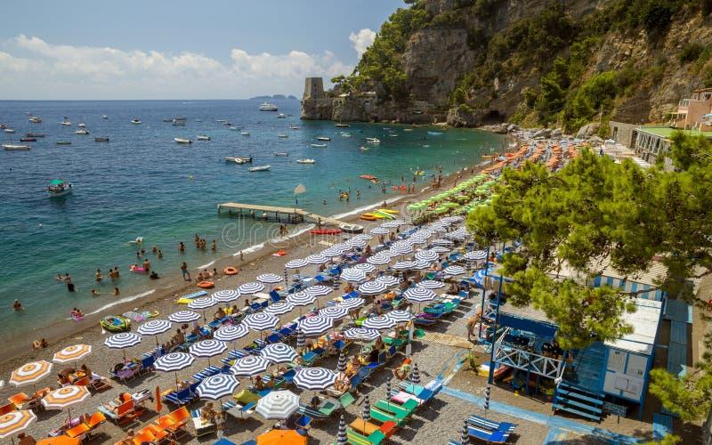 海滩在波西塔诺,意大利 免版税库存图片