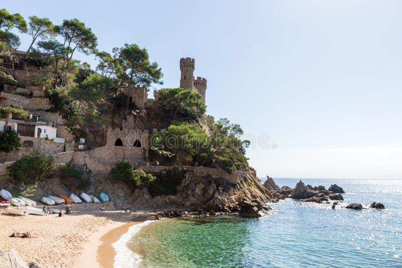 海滩在略雷特德马尔,肋前缘Brava,卡塔龙尼亚,西班牙 免版税库存照片