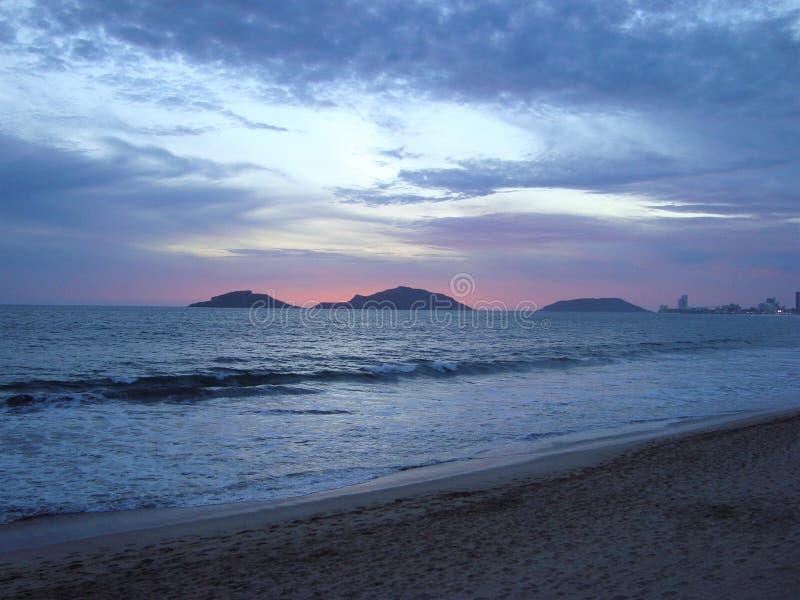 海滩在马萨特兰,锡那罗亚州,墨西哥 免版税图库摄影