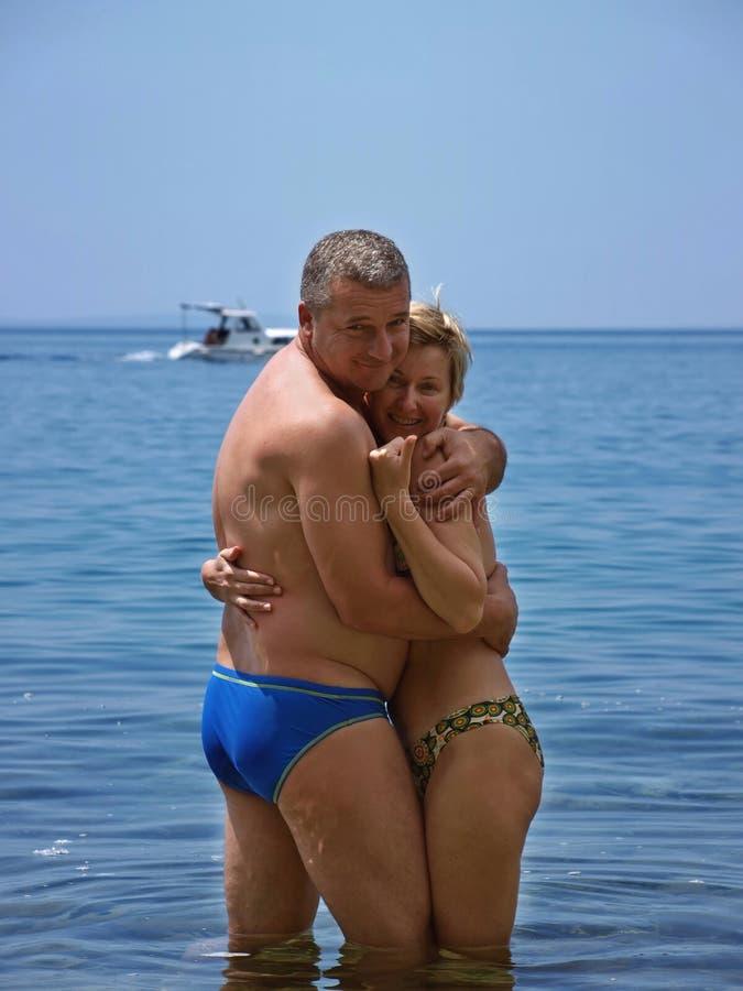 海滩夫妇容忍 库存图片