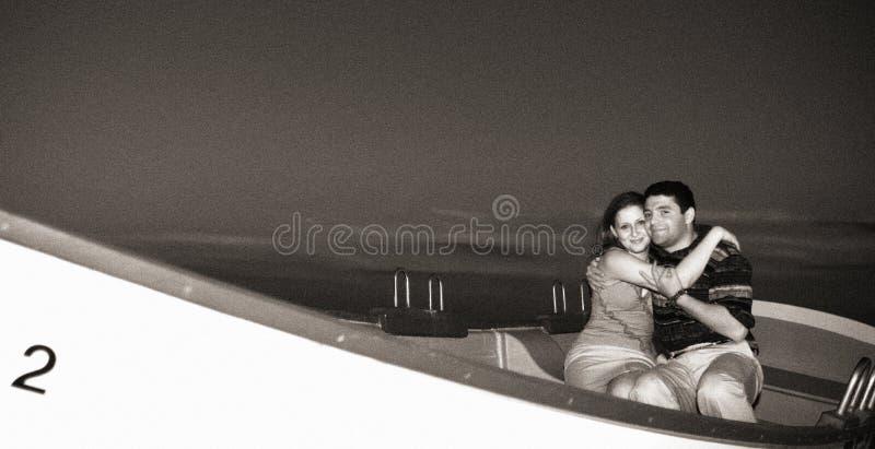 Download 海滩夫妇 库存图片. 图片 包括有 系列, 男朋友, 婚礼, 统一性, 日落, 一起, 诱惑, 火箭筒, 夫妇 - 58633