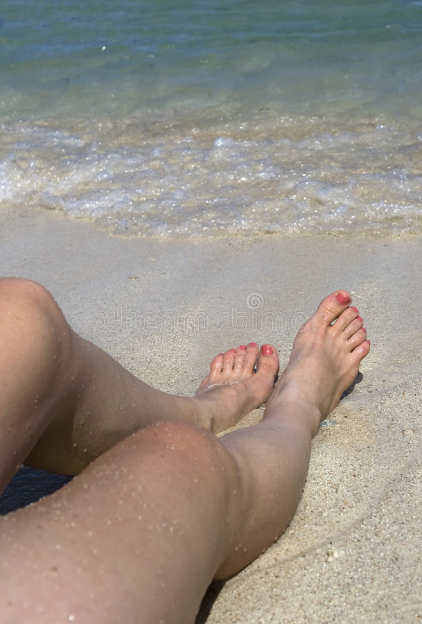 海滩女性开会 免版税库存图片