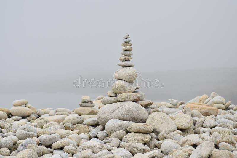 海滩小卵石在布里坦尼在法国 库存图片