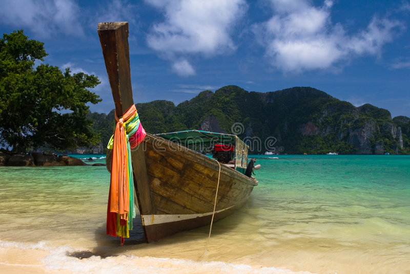 海滩小船天堂泰国 免版税库存图片