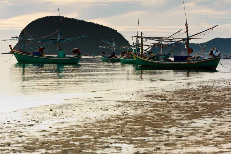 海滩小船捕鱼批次 库存图片
