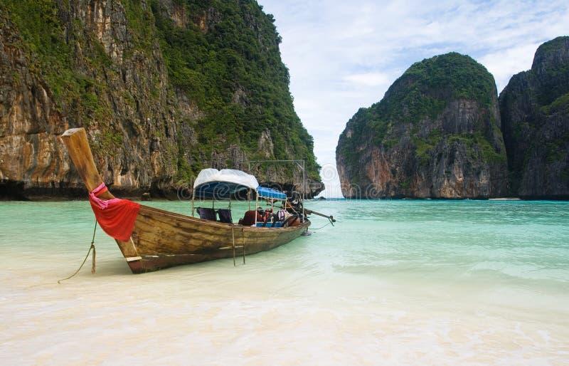 海滩小船捕鱼泰国 图库摄影
