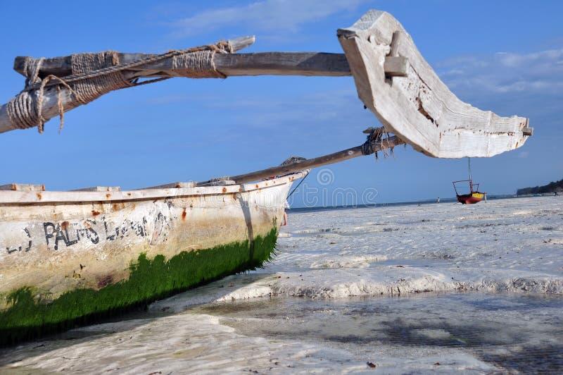 海滩小船桑给巴尔 免版税库存照片