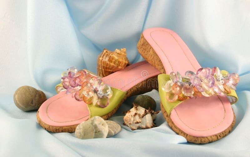 海滩拖鞋 免版税库存图片