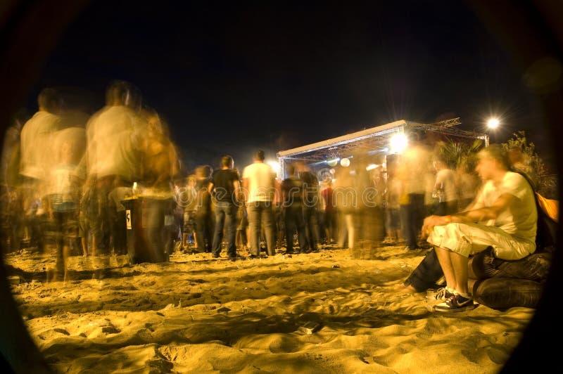海滩来音乐会末端 库存图片