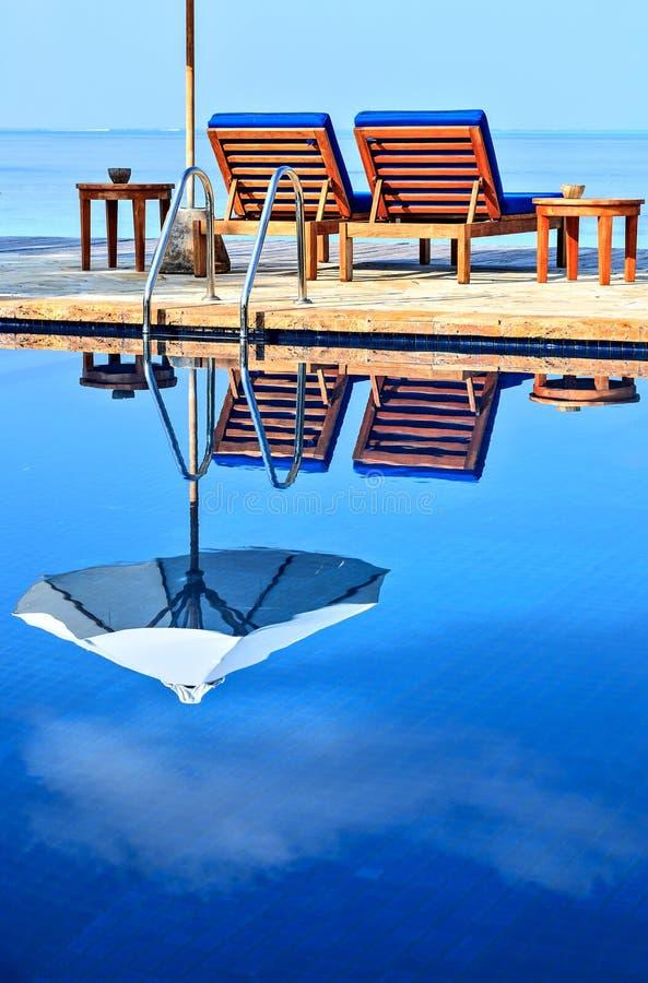 海滩水池 免版税库存照片