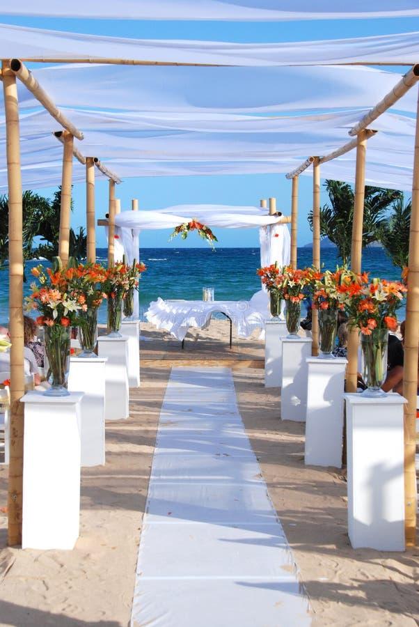 海滩海运婚礼 免版税库存照片