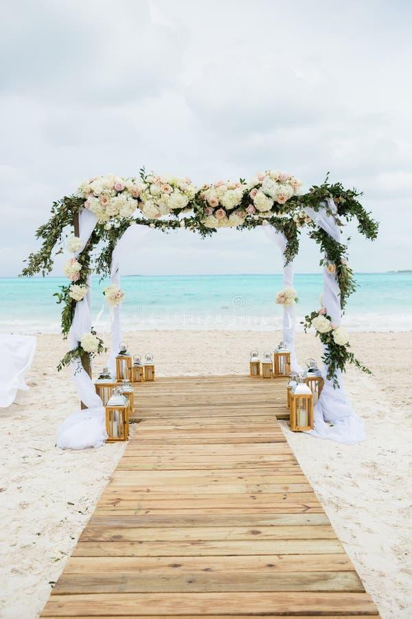海滩热带婚礼 库存图片