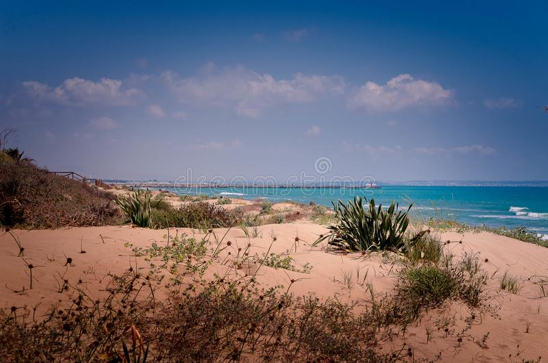 海滩瓜尔达马尔德尔塞古拉阿利坎特 免版税库存照片