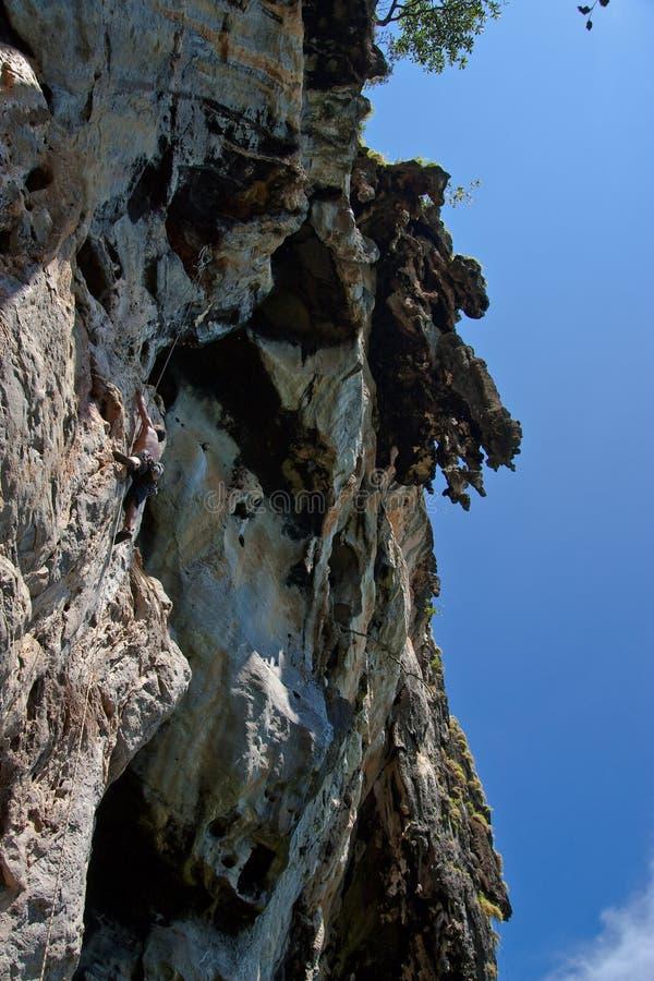 海滩登山人位置山rai南泰国 免版税图库摄影