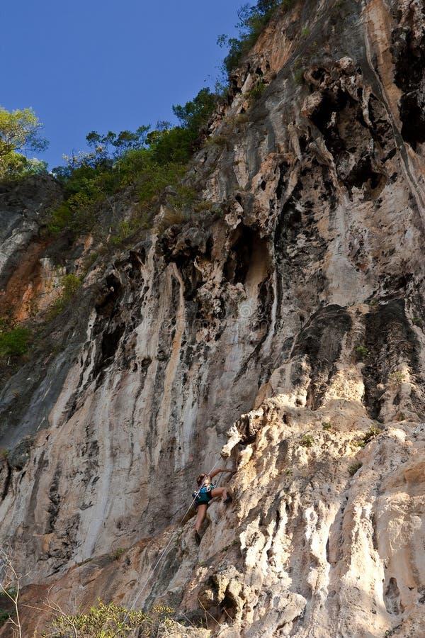 海滩登山人位置山rai南泰国 免版税库存照片