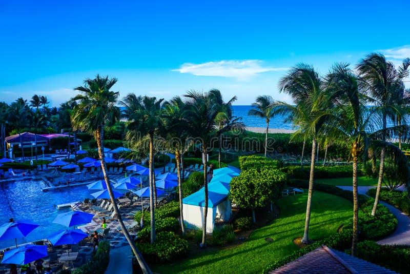 海滩的佛罗里达大西洋海岸旅游胜地 库存照片