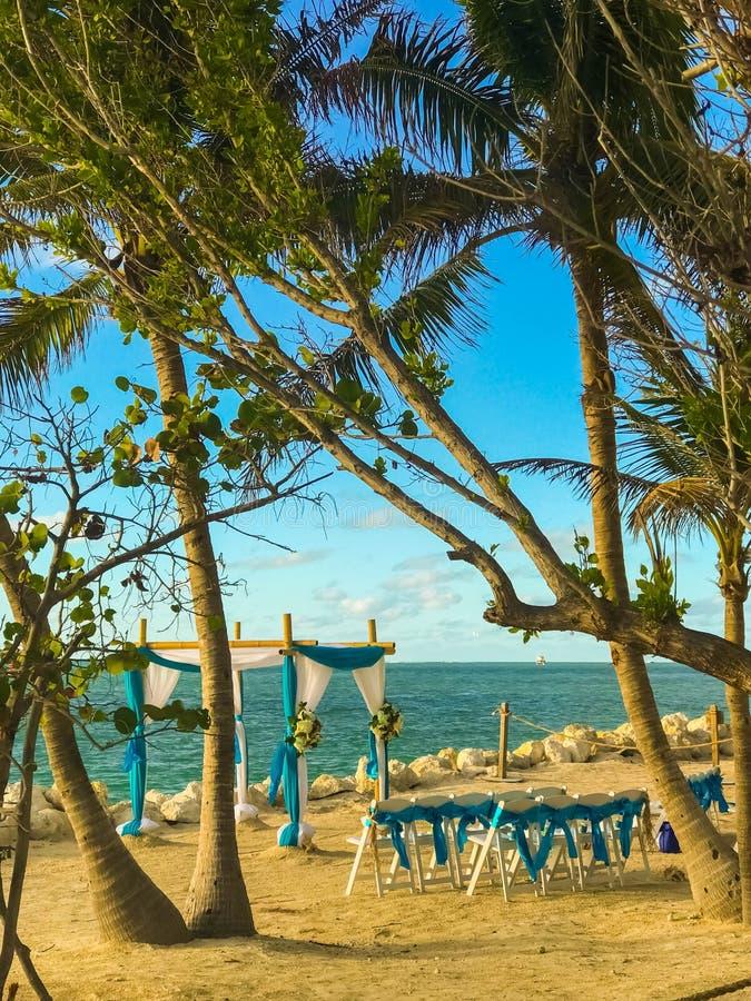海滩的婚礼地方基韦斯特岛FL 11/24/2017 免版税库存图片