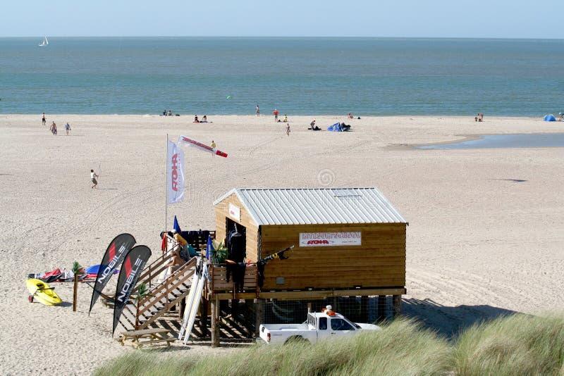 海滩的海浪学校 免版税库存照片